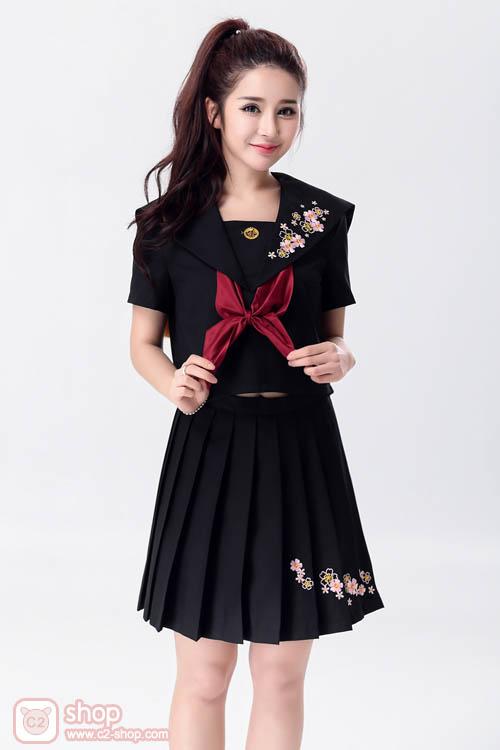 ชุดแฟนซีนักเรียนการ์ตูนญี่ปุ่นมาในชุดสีดำดั่งมนตร์สะกด