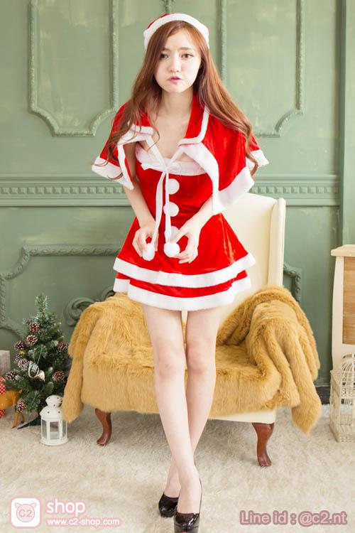 ชุดแฟนซีสาวแซนตี้สีแดงสุดน่ารักมาพร้อมเสื้อคลุมไหล่เก๋ๆ